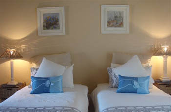Accommodation_Memel_Hotel_Bedroom1