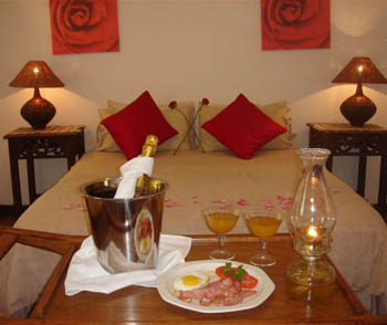 Accomodation_Memel_Hotel_Champagne_breakfast